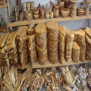 olive wood art - wood charcoal fiber i  would like to take this opportunity to introduce  our company based in tunisia. we provide craft products made from olive wood.--we have a wide range of products that can be used in kitchens,  for decoration and gifts…----if my products interest you and can extend the range of your catalogue of pr