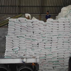 100% WHITE REFINED BRAZILIAN SUGAR ICUMSA 45 - Non - 300$ - 25kg and